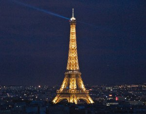 EiffelTowerNight_cking